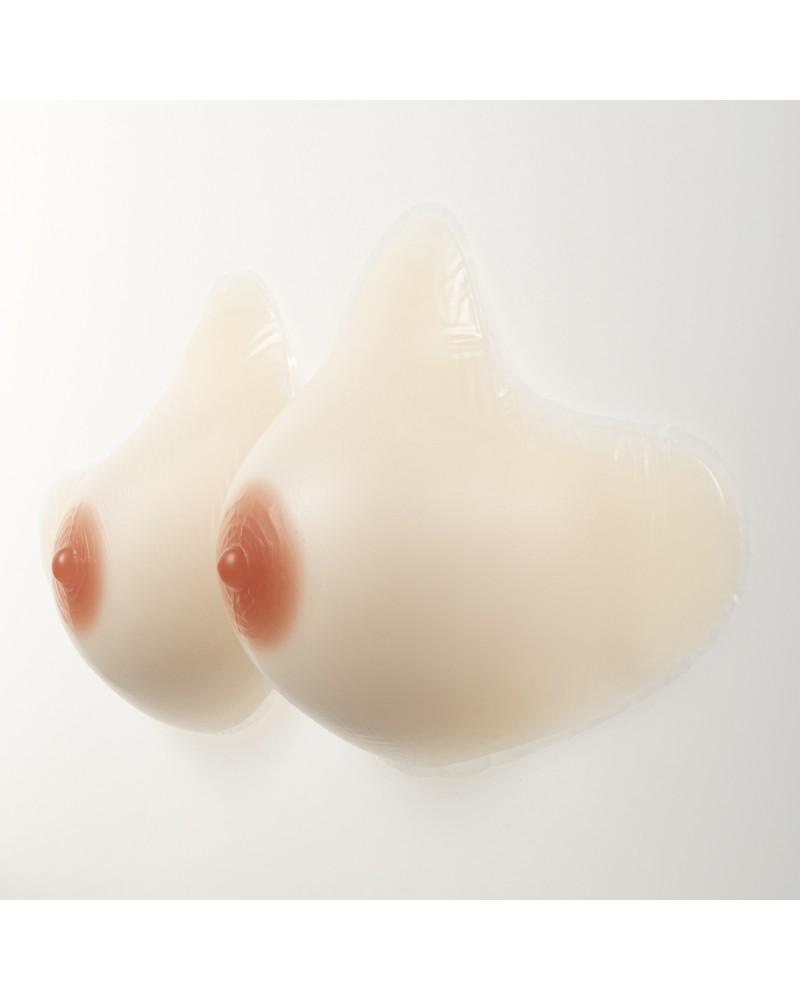 Prothèse mammaire post-mastectomie peau blanche