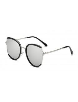 Lentilles couleur rétro lunettes solaires low cost