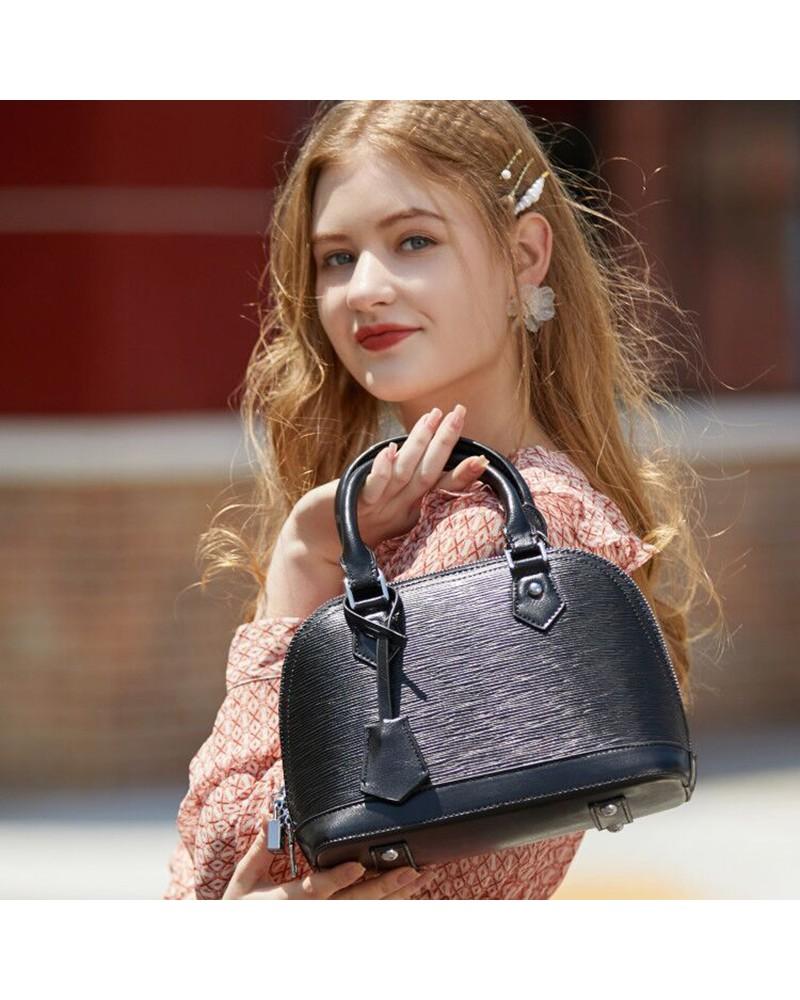 Lady trendy leather handbag shoulder shell bag