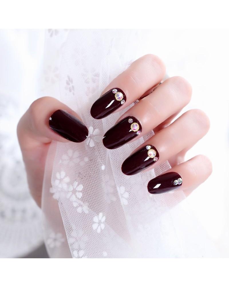 Crimson nail polish self-adhesive false nails