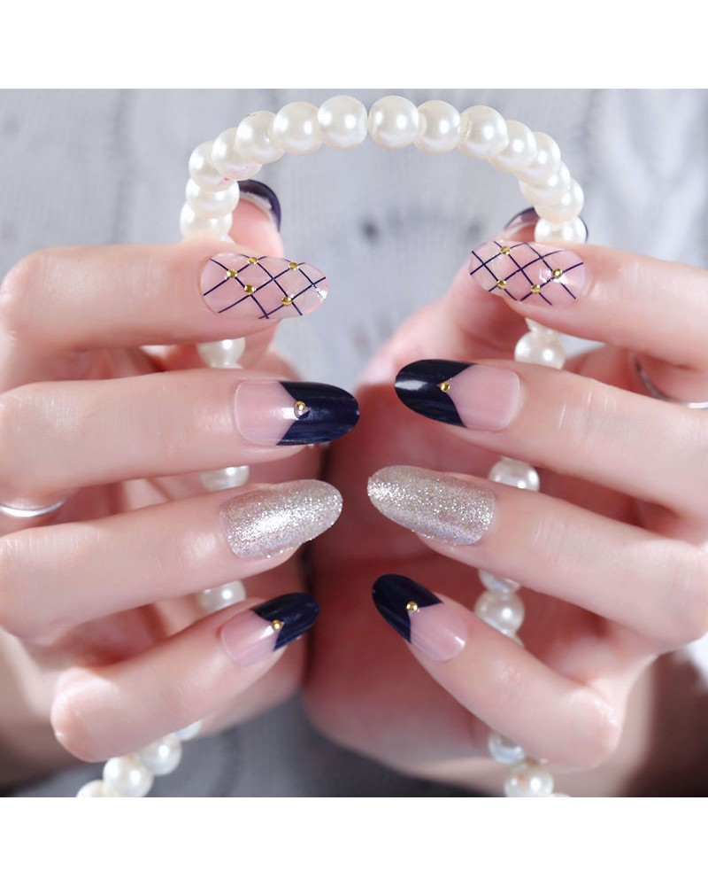 Luxury vintage fake nails self-adhesive