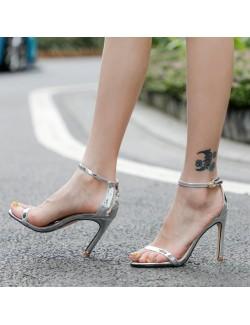 Sandales à talons à lanières chaudes argent métallique