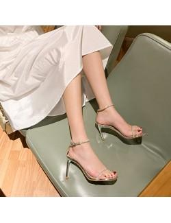 Sandales à talons et strass brillants