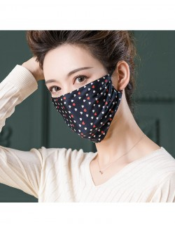 Red&white love pattern printed mulberry silk face mask