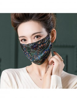Peacock pattern printed mulberry silk face mask