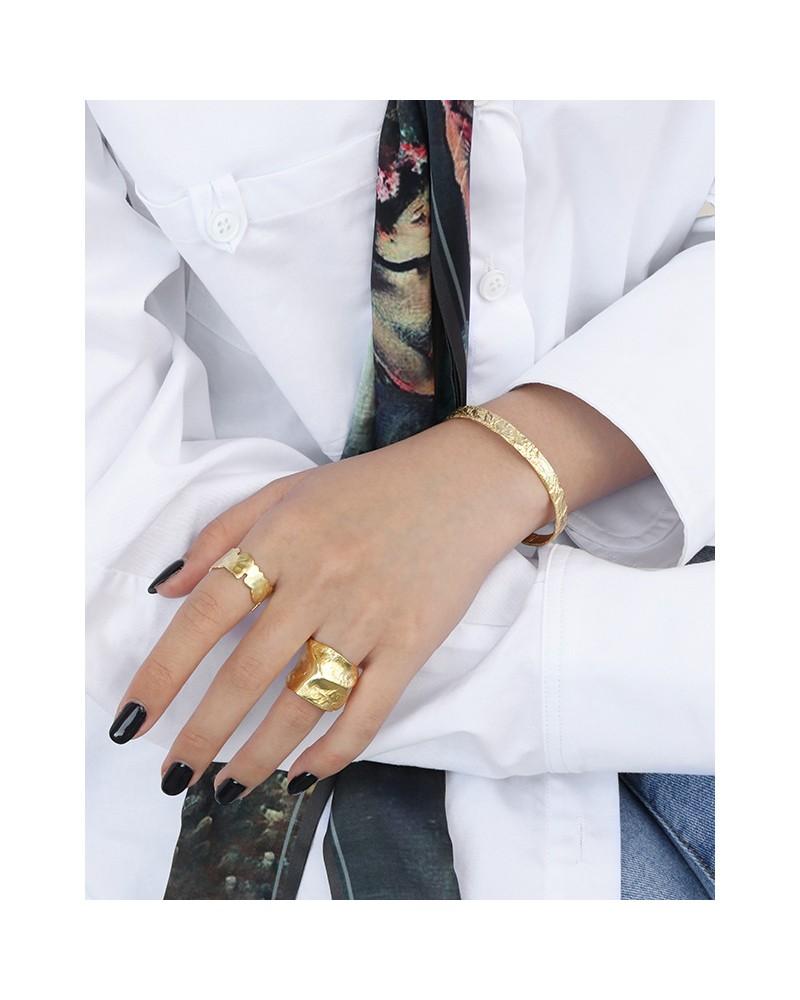 Women's patterned sterling silver bracelet
