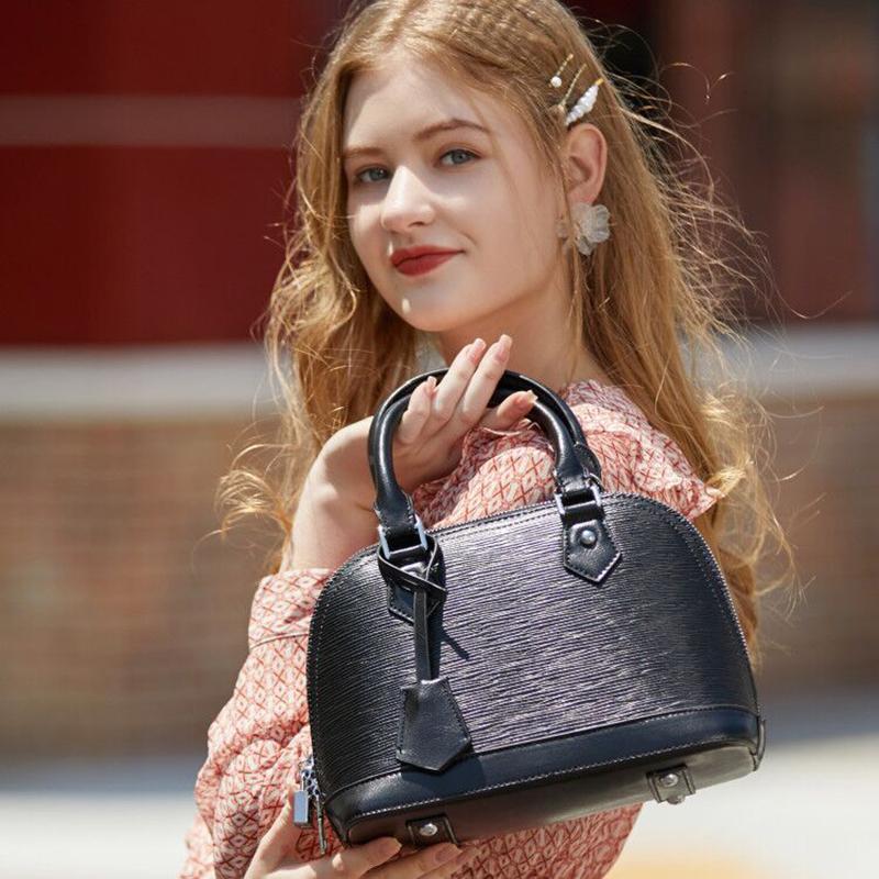 Lady trendy leather handbag shoulder shell bag inexpensive
