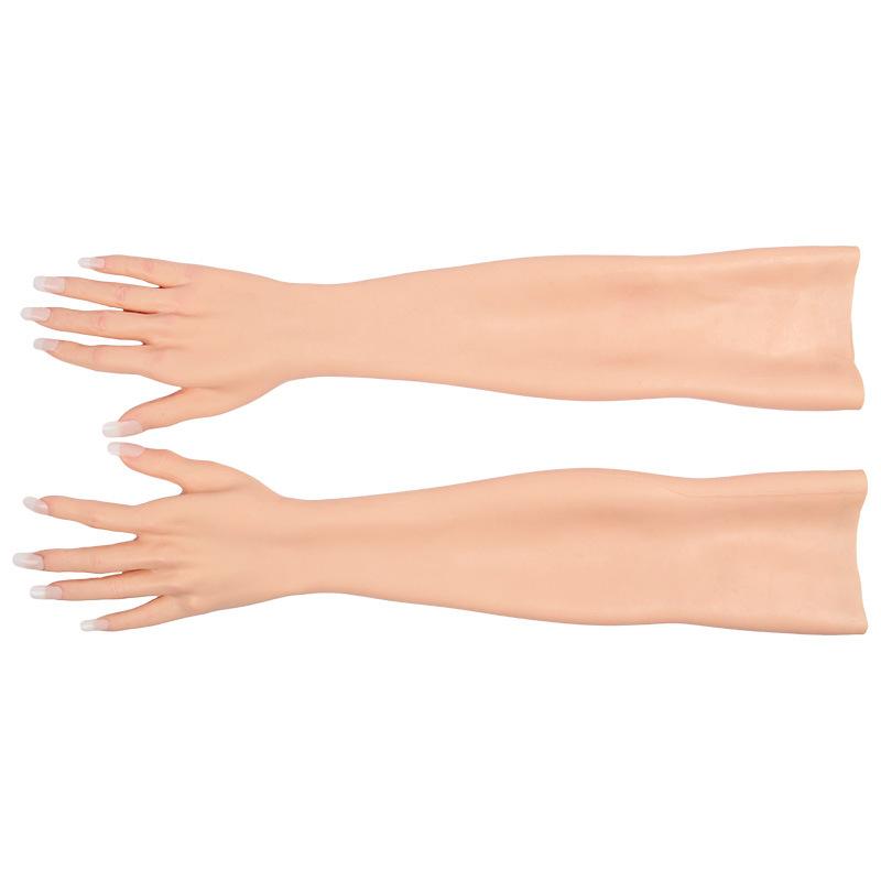 female hands crossdressing